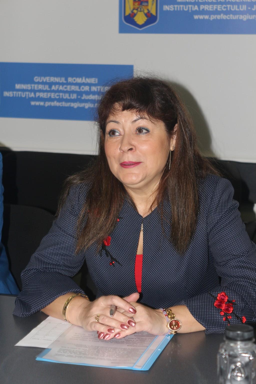 Nina Carmen Crisu
